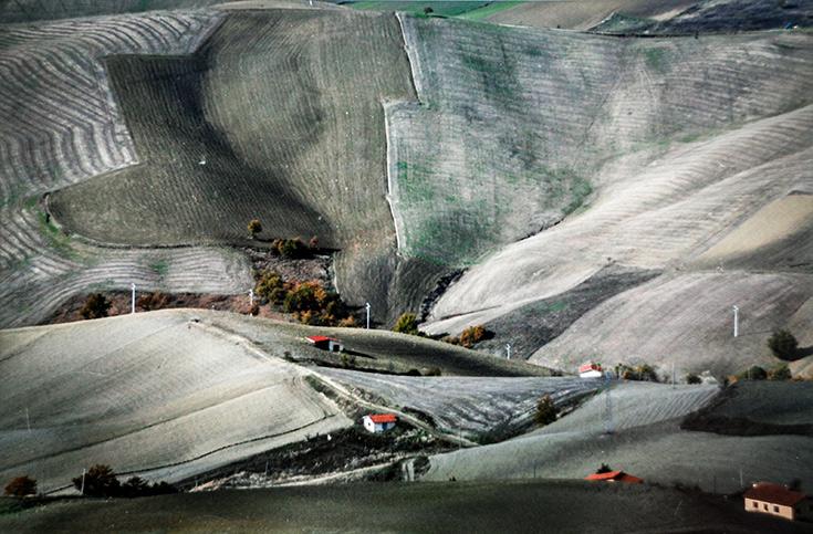 Visioni di Paese in Paese -Arminio, Di Vilio, Iadarola, Ph Federico Iadarola - Le Tante Facce del Colore - L'uomo e il territorio, i colori e l'ambiente - 2015